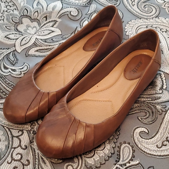 Earth Shoes   Bellwether Almond Brown